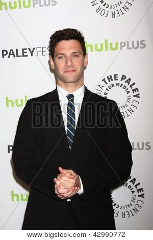 LOS ANGELES - MAR 6:  Justin Bartha arrives at the