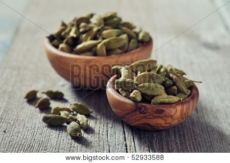 Dry Cardamon Seeds