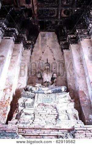 Buddha Statue Without Head