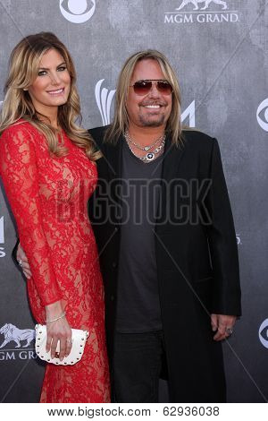 LAS VEGAS - APR 6:  Vince Neill at the 2014 Academy of Country Music Awards - Arrivals at MGM Grand Garden Arena on April 6, 2014 in Las Vegas, NV