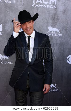 LAS VEGAS - APR 6:  Clay Walker at the 2014 Academy of Country Music Awards - Arrivals at MGM Grand Garden Arena on April 6, 2014 in Las Vegas, NV