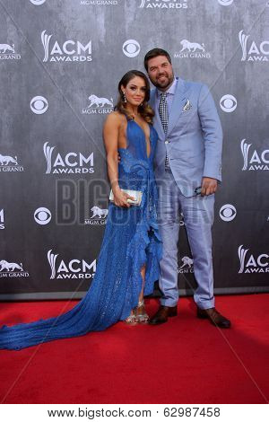 LAS VEGAS - APR 6:  Natalia Starzynski, Dallas Davidson at the 2014 Academy of Country Music Awards - Arrivals at MGM Grand Garden Arena on April 6, 2014 in Las Vegas, NV