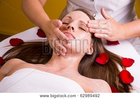 Caucasian woman at the beautician.