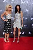 LAS VEGAS - APR 6:  Kimberly Rhodes Schlapman, Karen Fairchild at the 2014 Academy of Country Music