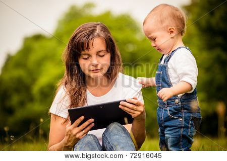 Mother addicted on internet