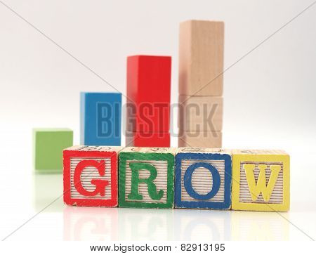 Wooden Blocks Spelling Word Grow