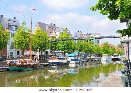 Mechelen waterway and boats