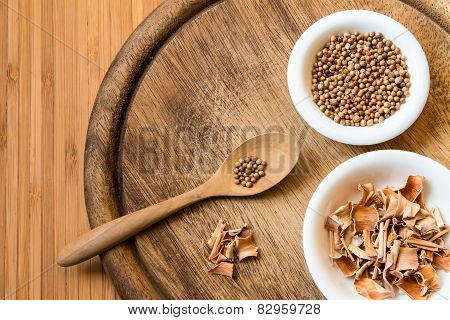 Dried Coriander Seeds And Lemon Grass
