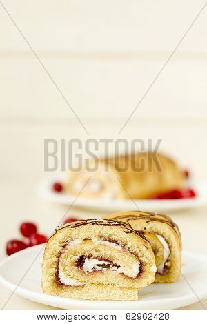Roll with cream cherri
