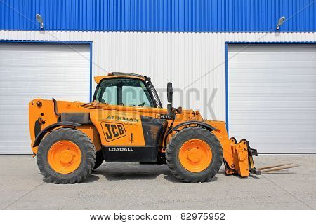 Jcb 535-95 Telescopic Handler By Warehouse
