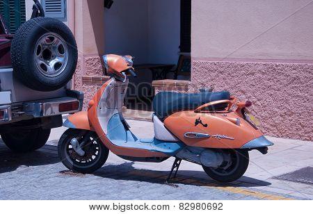 Vintage Scooter Habana