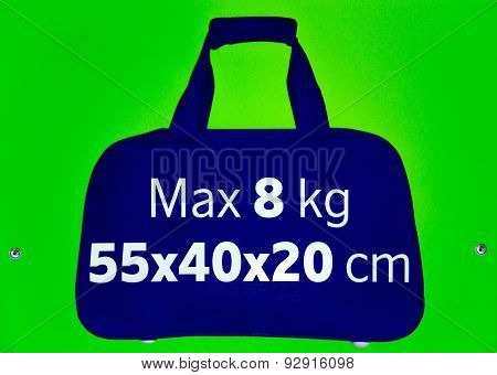 Sizes of travel bag for hand baggage in airport