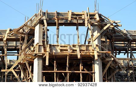 Building Concrete Structure With Wood Form Work