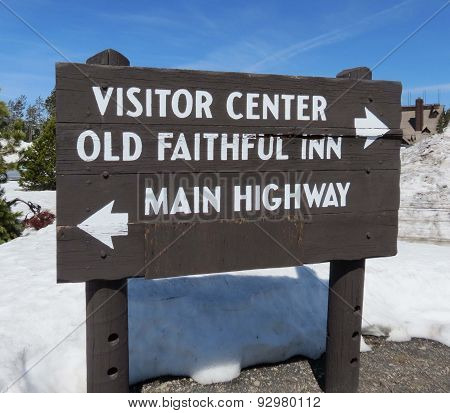 Yellowstone sign for Old Faithful Inn