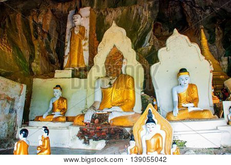 Many Buddha Statues Sit, Religious Carving. Hpa-an, Myanmar. Burma.
