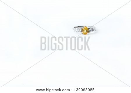 The Ring topaz, Popular as gifts to loved ones. A symbol of love And the prosperity of the wearer.