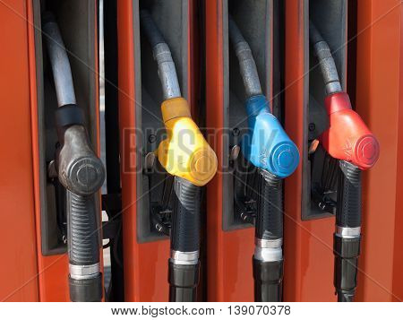 Four colored gun gas column auto-filling stations