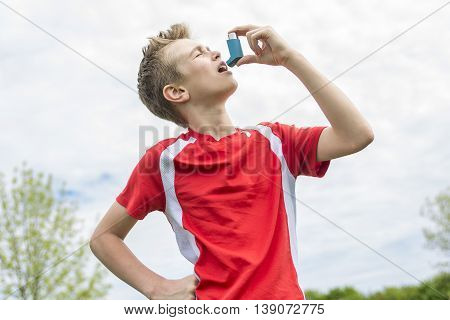 A teenager boy in sportswear run outside