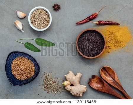 Assorted Of Spices Ginger,fennel Seed,dried Thyme ,sage Leaves,garlic ,star Anise ,curry Powder,chil