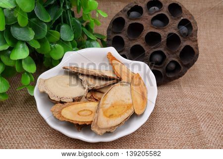 Chinese herbal drugs of lotus bean and dried tree