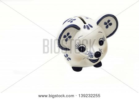 Piggy bank in the form of a mouse