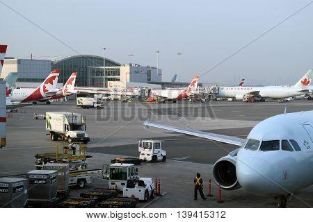 Air Canada Airplanes