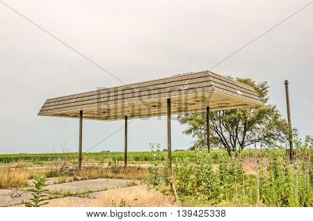 This looks like a canopy to an old service station. It is on Route 66 in Illinois.