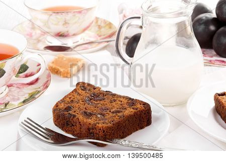Tea served with traditional British fruit cake