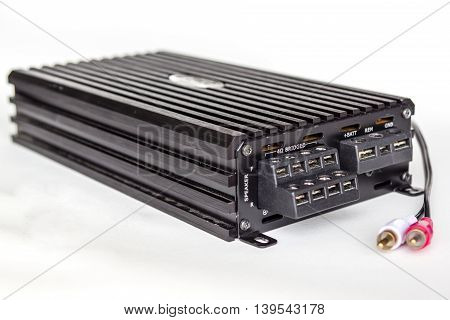 Isolate a black 4 channel car amplifier