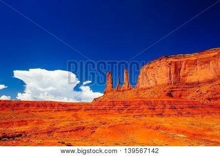 Three Sisters, Monument Valley, Arizona, Usa