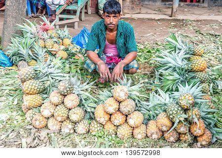 Pineapple Seller