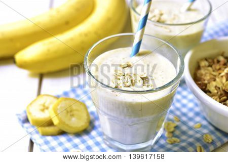 Banana Smoothie With Oats.