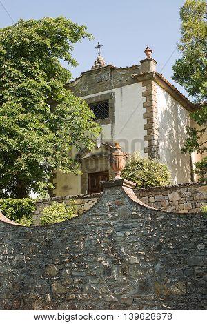 Details Of Italian Villa Garden
