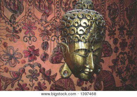 Budha Golden Head