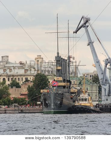 St. Petersburg, Russia - 16 July, River works with the help of special equipment, 16 July, 2016. Statement of the legendary cruiser
