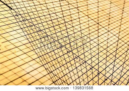 Geometric Table Grid