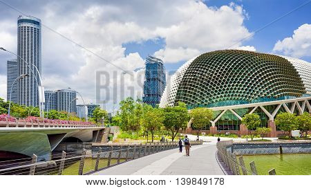 Esplanade And Theaters On The Bay Singapore