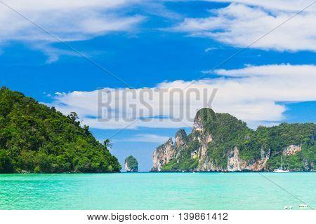 High Cliff Lagoon Mountains