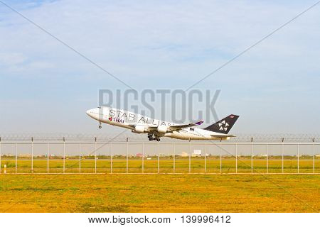 Bangkok Thailand - Mar 26 2016 : Thai airways airplane on the sky from take off at Suvarnabhumi Airport