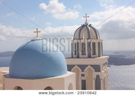 Alabastro catedrais com telhado azuis