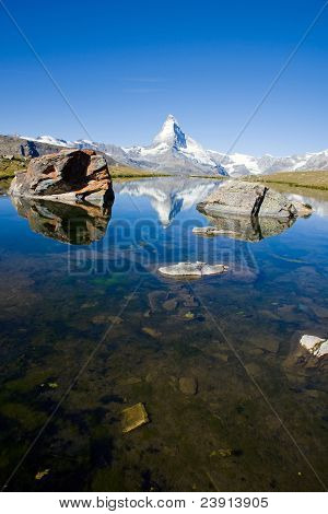 The Stelisee with the Matterhorn in the back