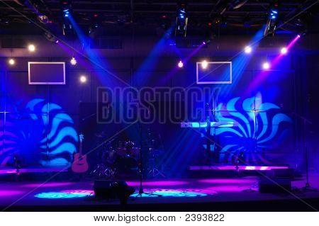 Bühne mit Beleuchtung
