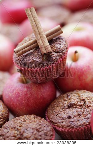 delicious muffins with apple - sweet food shallow DOFF/
