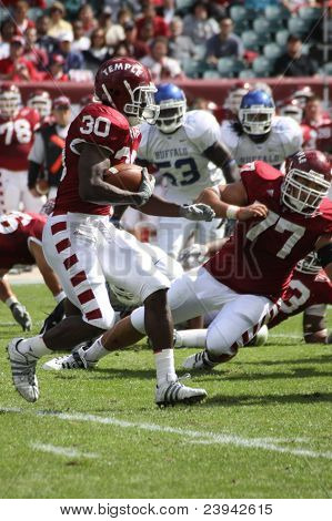 Temple Running Back Bernard Price (30)