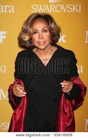 LOS ANGELES - JUN 12:  Diahann Carroll arrives at the City of Hope's Music And Entertainment Industry Group Honors Bob Pittman Event at Beverly Hilton Hotel on June 12, 2012 in Beverly Hills, CA
