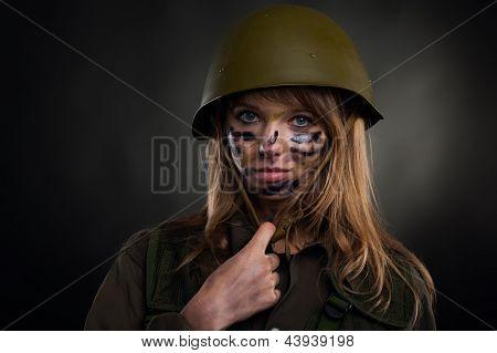 menina militar