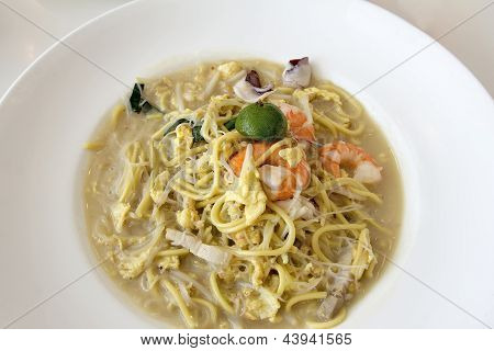 Hokkien Fry Noodles With Prawns And Squid