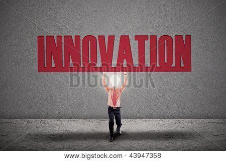 Innovación brillante bombilla