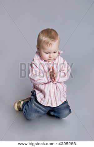 The Beautiful Child Prays