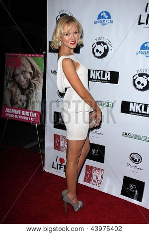 LOS ANGELES - APR 2:  Anya Monzikova arrives at  the No Kill L.A. Charity Event at the Fred Segal on April 2, 2013 in West Hollywood, CA